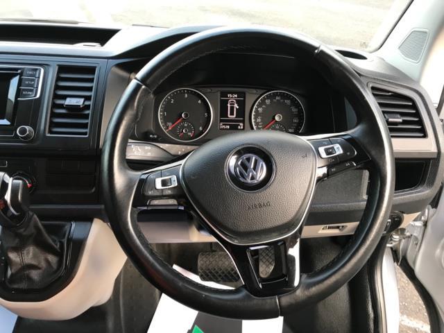 2019 Volkswagen Transporter 2.0 Tdi Bmt 150 Highline Van Dsg Euro 6 (GJ69FZM) Image 14