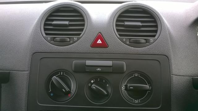 2015 Volkswagen Caddy 1.6 102PS STARTLINE EURO 5 (GK15NMF) Image 25