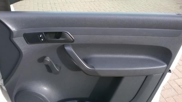 2015 Volkswagen Caddy Maxi 1.6 102PS STARTLINE EURO 5 (GK15NMF) Image 19