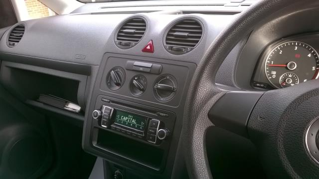 2015 Volkswagen Caddy 1.6 102PS STARTLINE EURO 5 (GK15NMF) Image 28