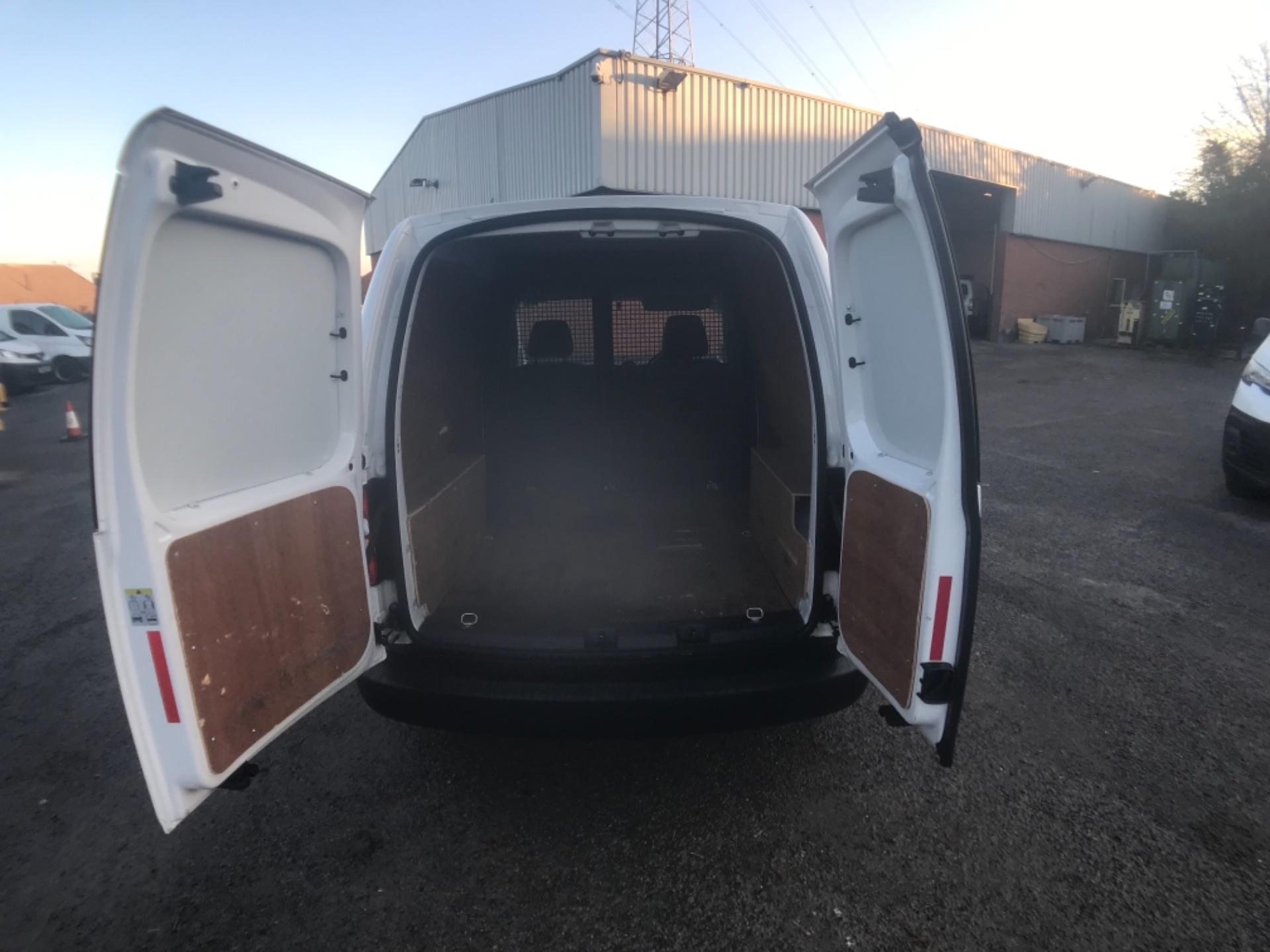 2015 Volkswagen Caddy  1.6 75PS STARTLINE EURO 5 (GK15XMA) Image 10