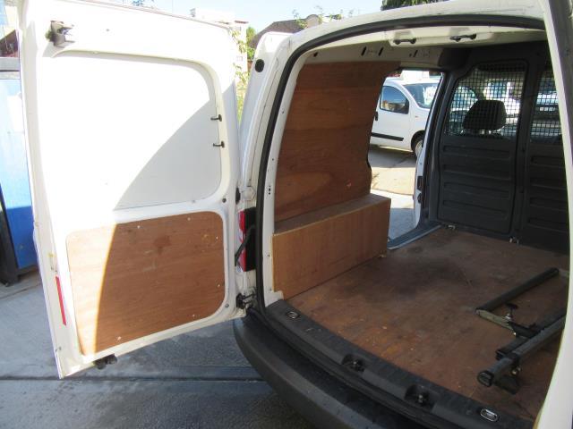2015 Volkswagen Caddy  1.6 75PS STARTLINE EURO 5 (GK15XMC) Image 32