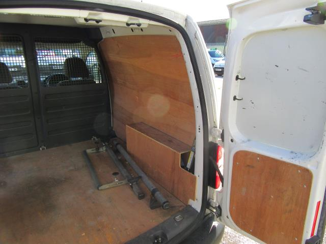 2015 Volkswagen Caddy  1.6 75PS STARTLINE EURO 5 (GK15XMC) Image 31