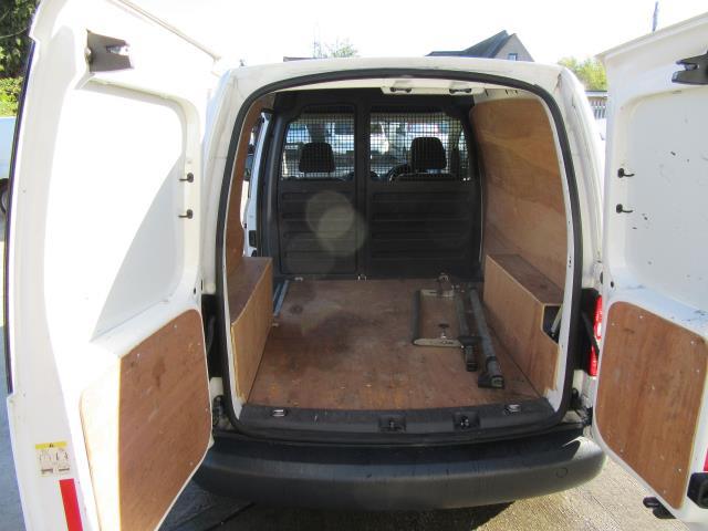 2015 Volkswagen Caddy  1.6 75PS STARTLINE EURO 5 (GK15XMC) Image 29
