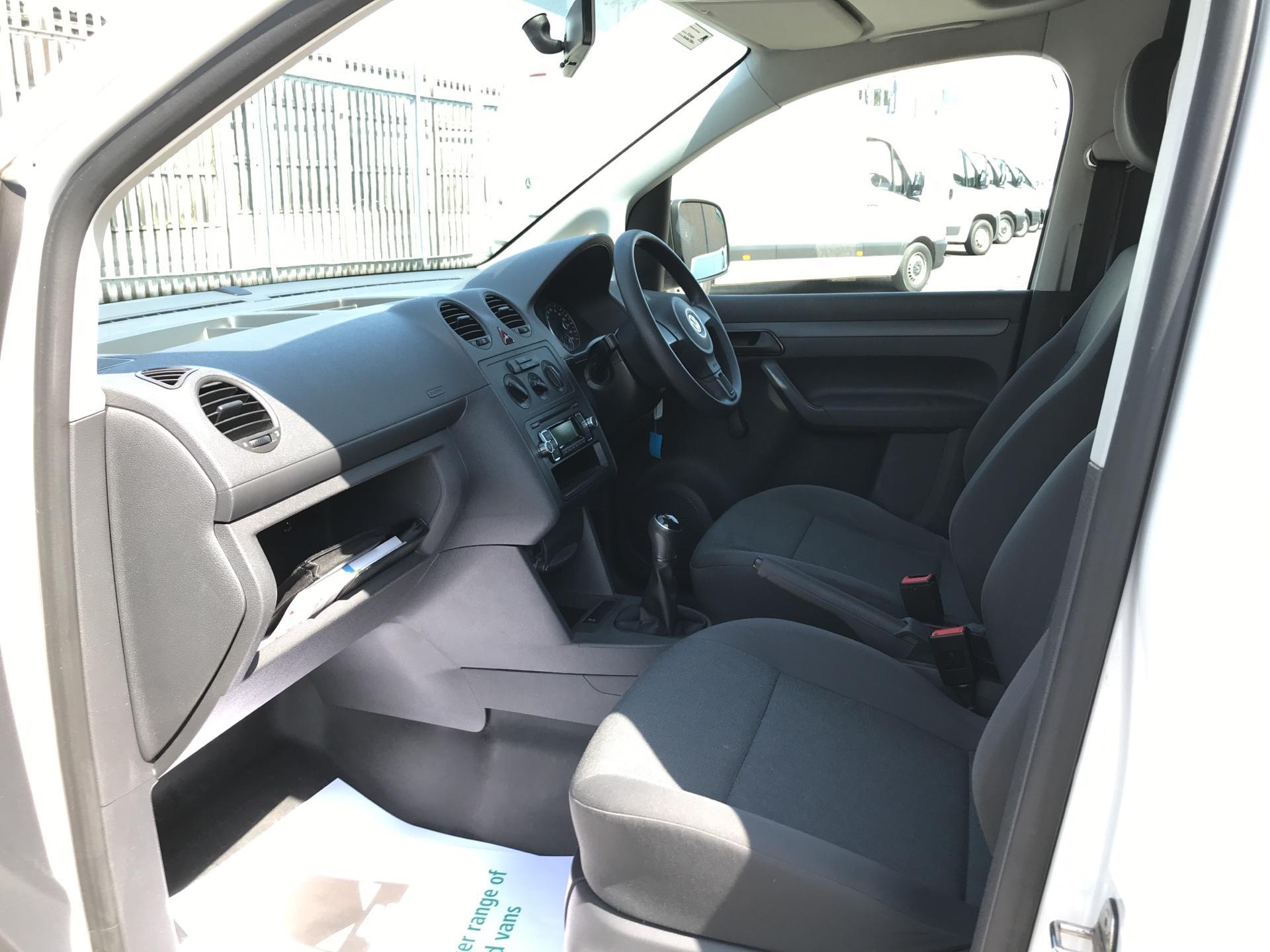 2015 Volkswagen Caddy  1.6TDI 75PS STARTLINE EURO 5 (GK15XME) Image 14