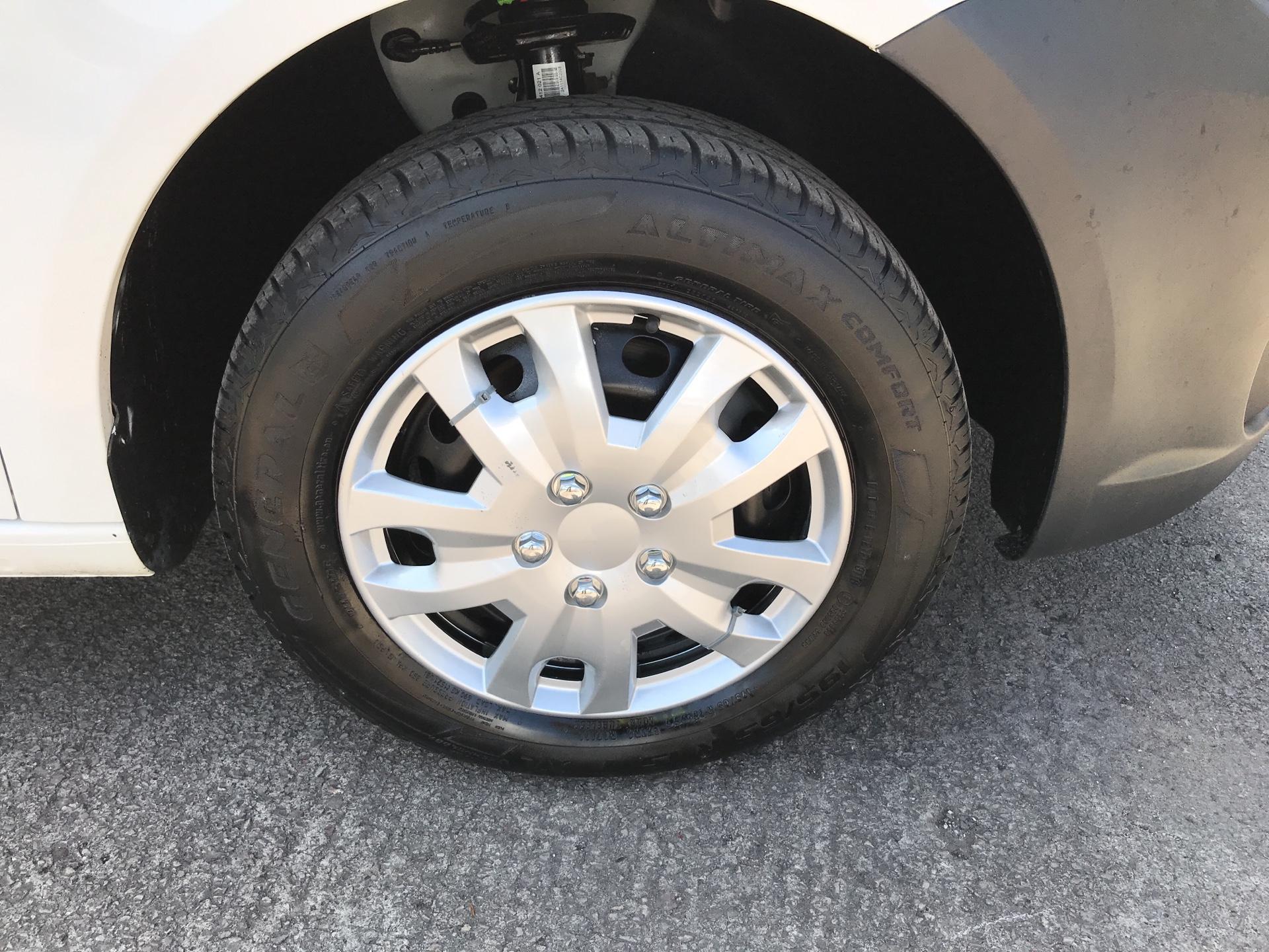 2015 Volkswagen Caddy  1.6TDI 75PS STARTLINE EURO 5 (GK15XME) Image 15