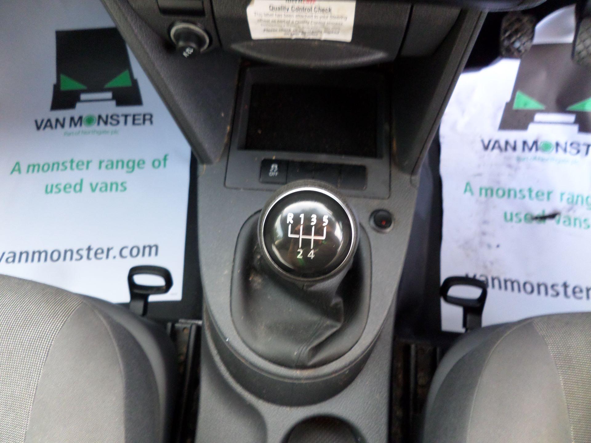 2015 Volkswagen Caddy 1.6 Tdi 75Ps Startline Van (GK15XMG) Image 3