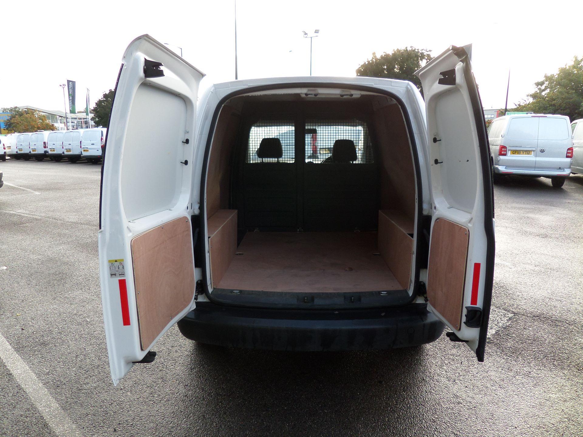 2015 Volkswagen Caddy 1.6 Tdi 75Ps Startline Van (GK15XMG) Image 13