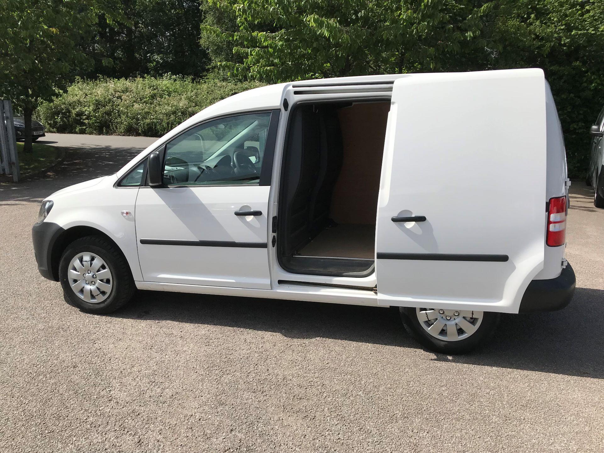 2015 Volkswagen Caddy  1.6 75PS STARTLINE EURO 5 (GK15XMU) Image 14