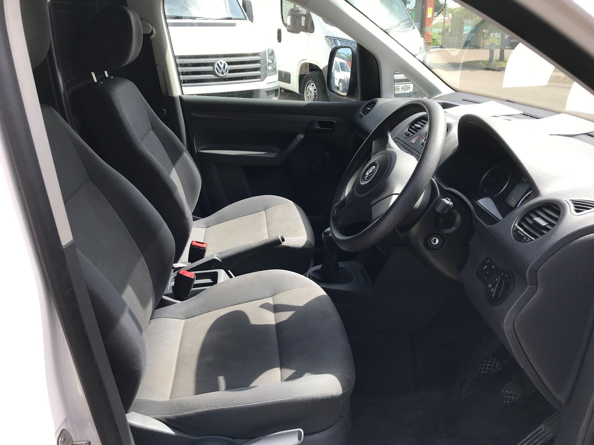 2015 Volkswagen Caddy  1.6 75PS STARTLINE EURO 5 (GK15XMU) Image 2