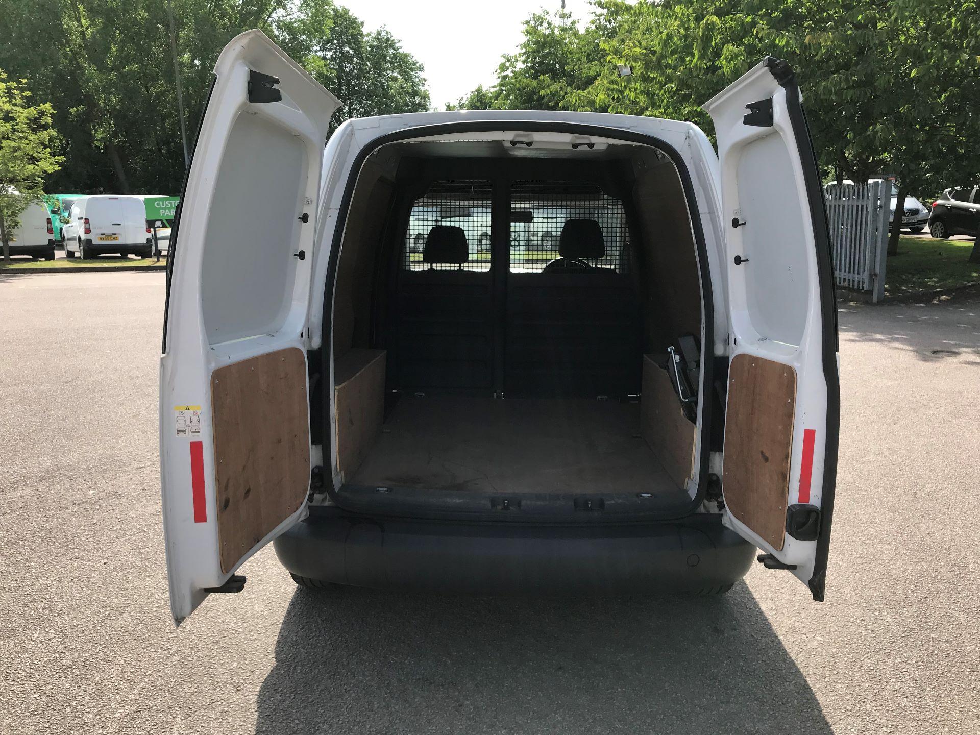 2015 Volkswagen Caddy  1.6 75PS STARTLINE EURO 5 (GK15XMU) Image 10