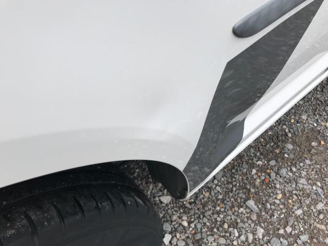 2017 Volkswagen Caddy  2.0 102PS BLUEMOTION TECH 102 STARTLINE EURO 6 (GK17LPL) Image 42