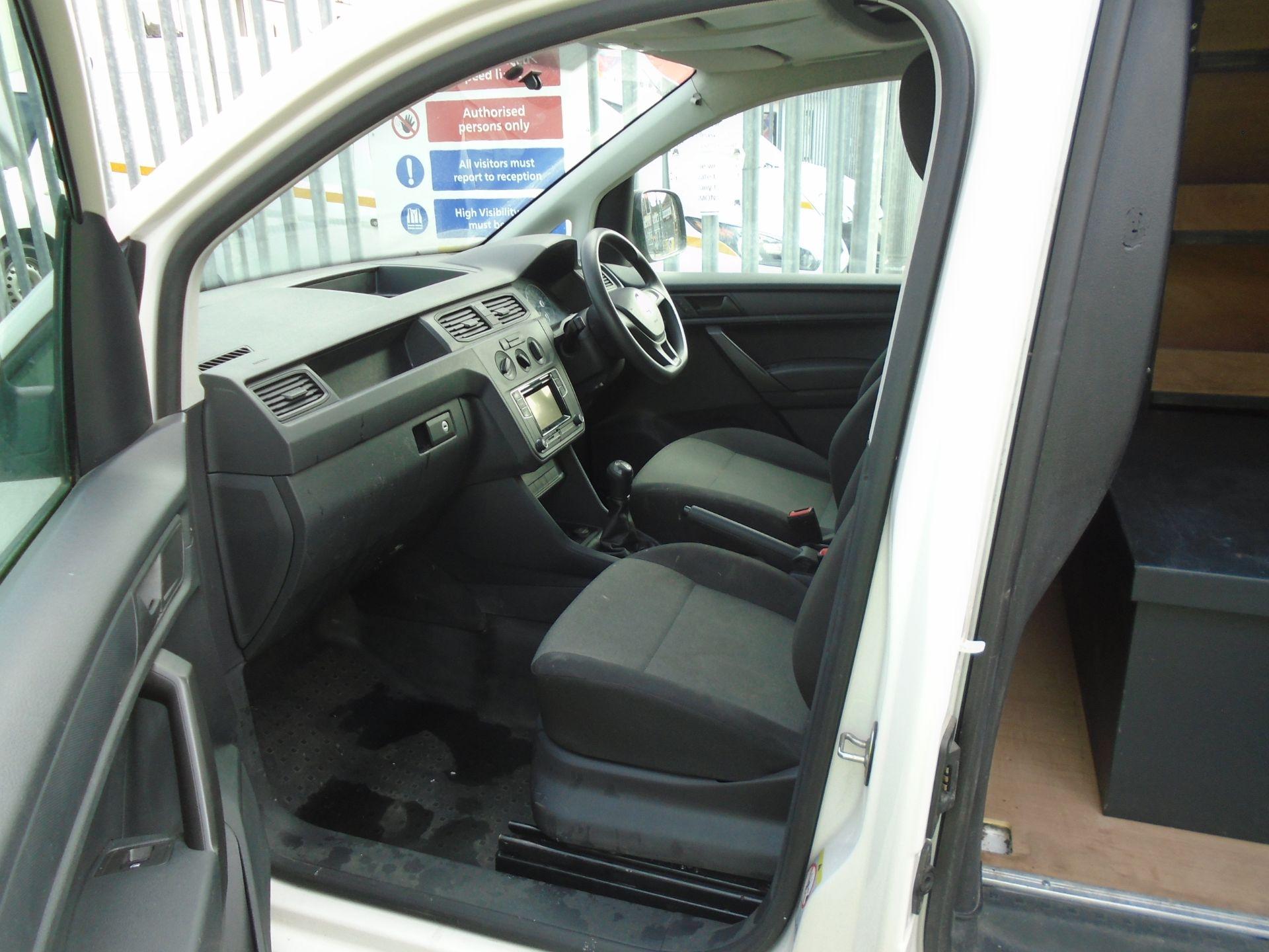 2017 Volkswagen Caddy Maxi 2.0 Tdi Bluemotion Tech 102Ps Startline Van *EURO 6* (GK17VBE) Image 17