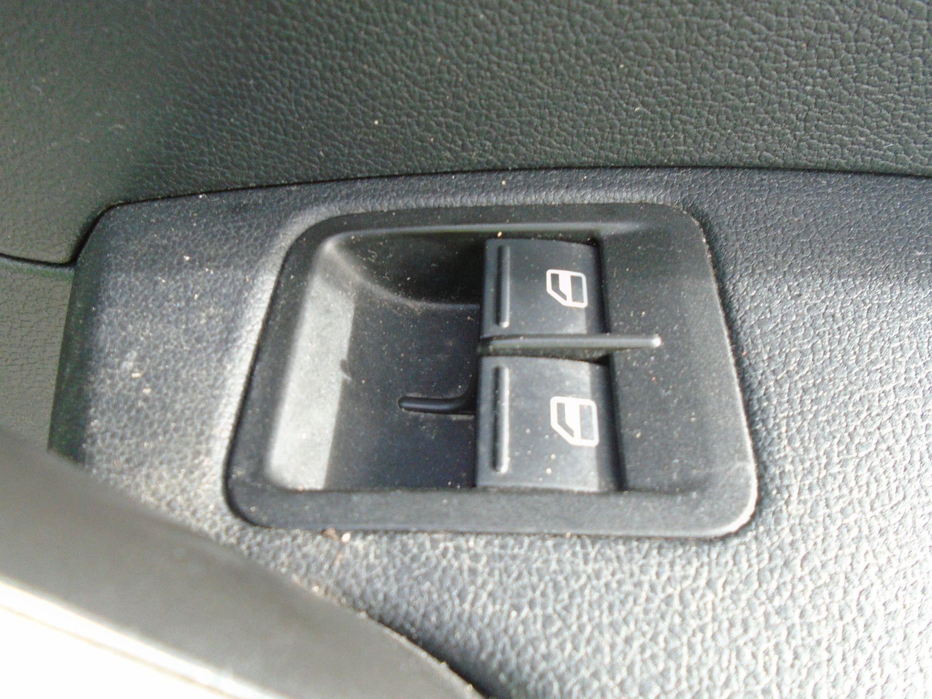 2017 Volkswagen Caddy Maxi 2.0 Tdi Bluemotion Tech 102Ps Startline Van *EURO 6* (GK17VBE) Image 25