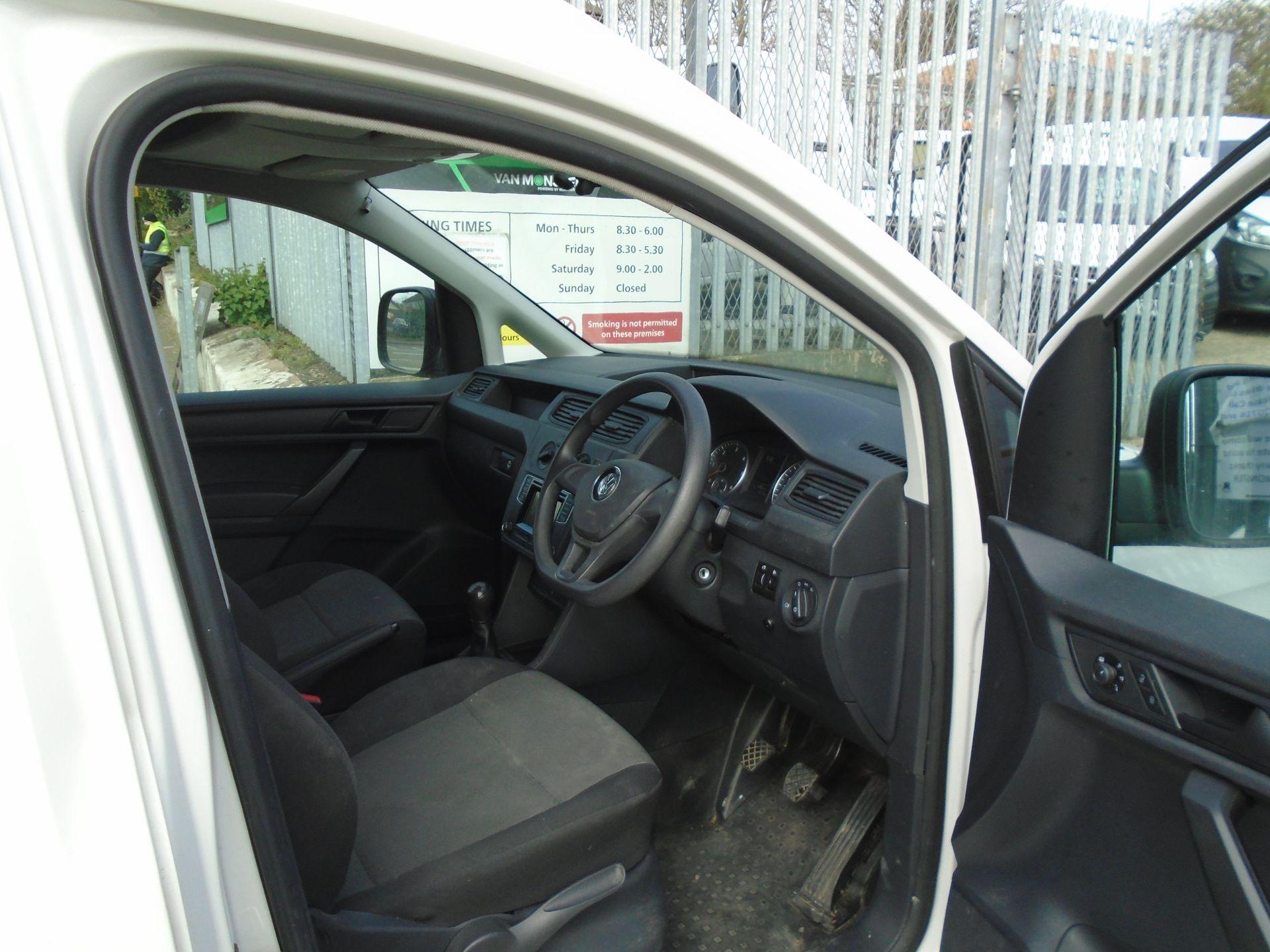 2017 Volkswagen Caddy Maxi 2.0 Tdi Bluemotion Tech 102Ps Startline Van *EURO 6* (GK17VBE) Image 19