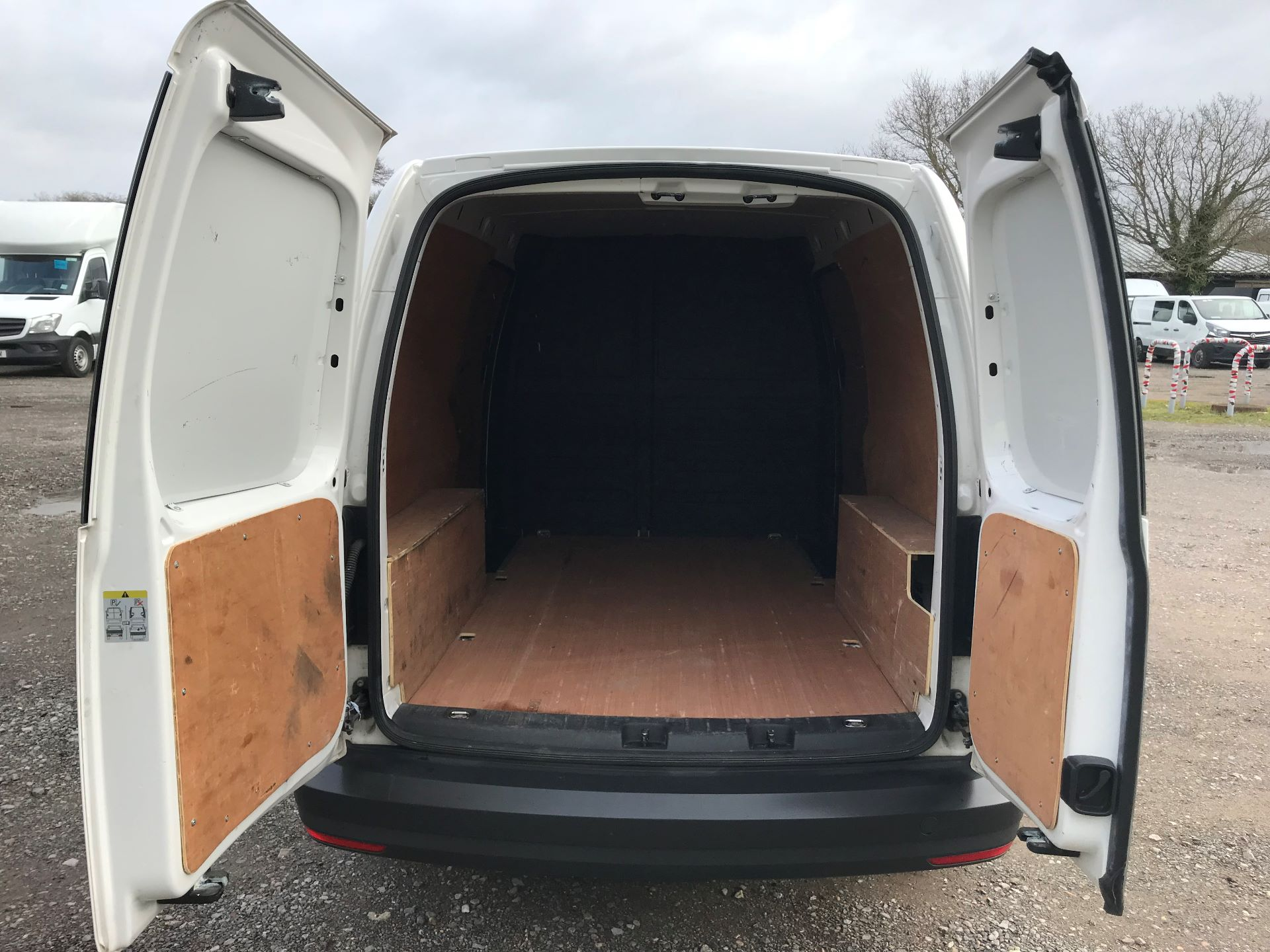 2017 Volkswagen Caddy  2.0 102PS BLUEMOTION TECH 102 STARTLINE EURO 6 (GK17VBT) Image 13