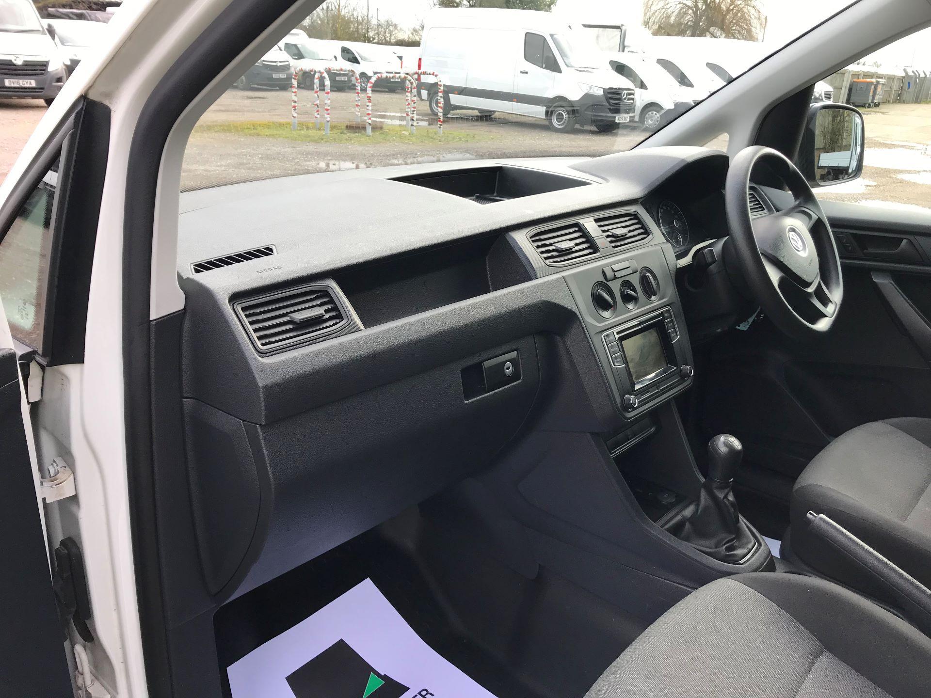 2017 Volkswagen Caddy  2.0 102PS BLUEMOTION TECH 102 STARTLINE EURO 6 (GK17VBT) Image 15