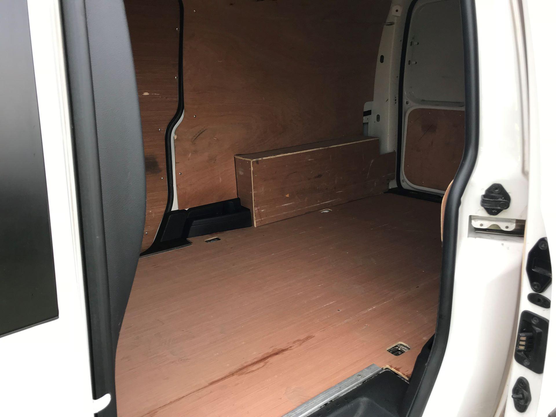 2017 Volkswagen Caddy  2.0 102PS BLUEMOTION TECH 102 STARTLINE EURO 6 (GK17VBT) Image 12