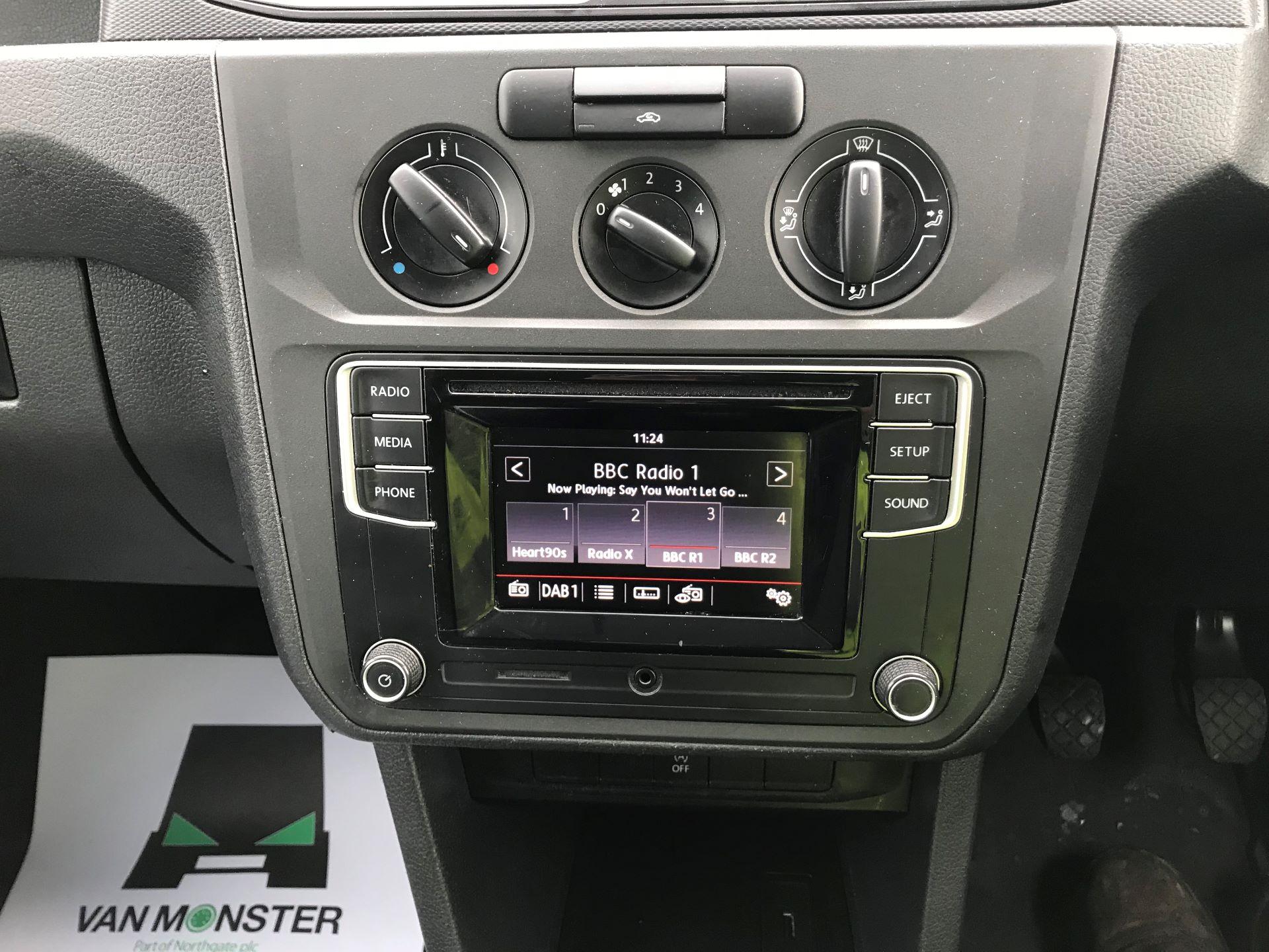 2017 Volkswagen Caddy  2.0 102PS BLUEMOTION TECH 102 STARTLINE EURO 6 (GK17VBT) Image 22