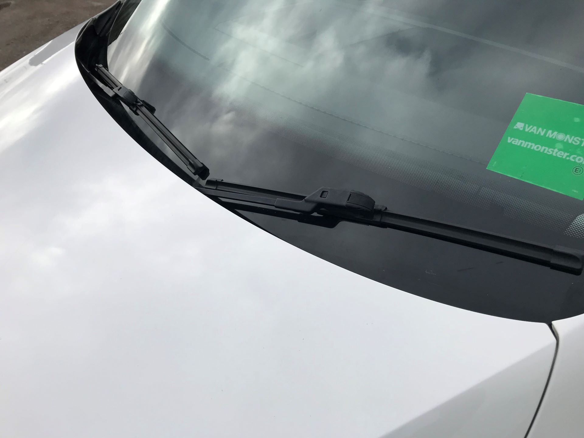 2017 Volkswagen Caddy  2.0 102PS BLUEMOTION TECH 102 STARTLINE EURO 6 (GK17VBT) Image 31