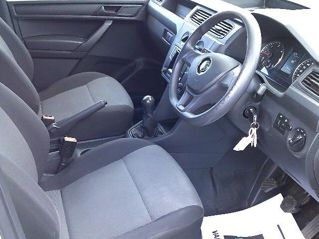 2017 Volkswagen Caddy Maxi 2.0 Tdi Bluemotion Tech 102Ps Startline Van (GK17VCM) Image 2