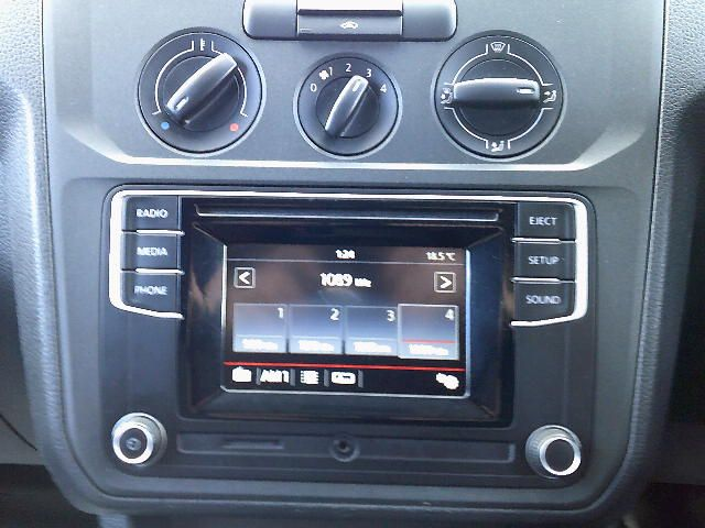 2017 Volkswagen Caddy Maxi 2.0 Tdi Bluemotion Tech 102Ps Startline Van (GK17VCM) Image 3