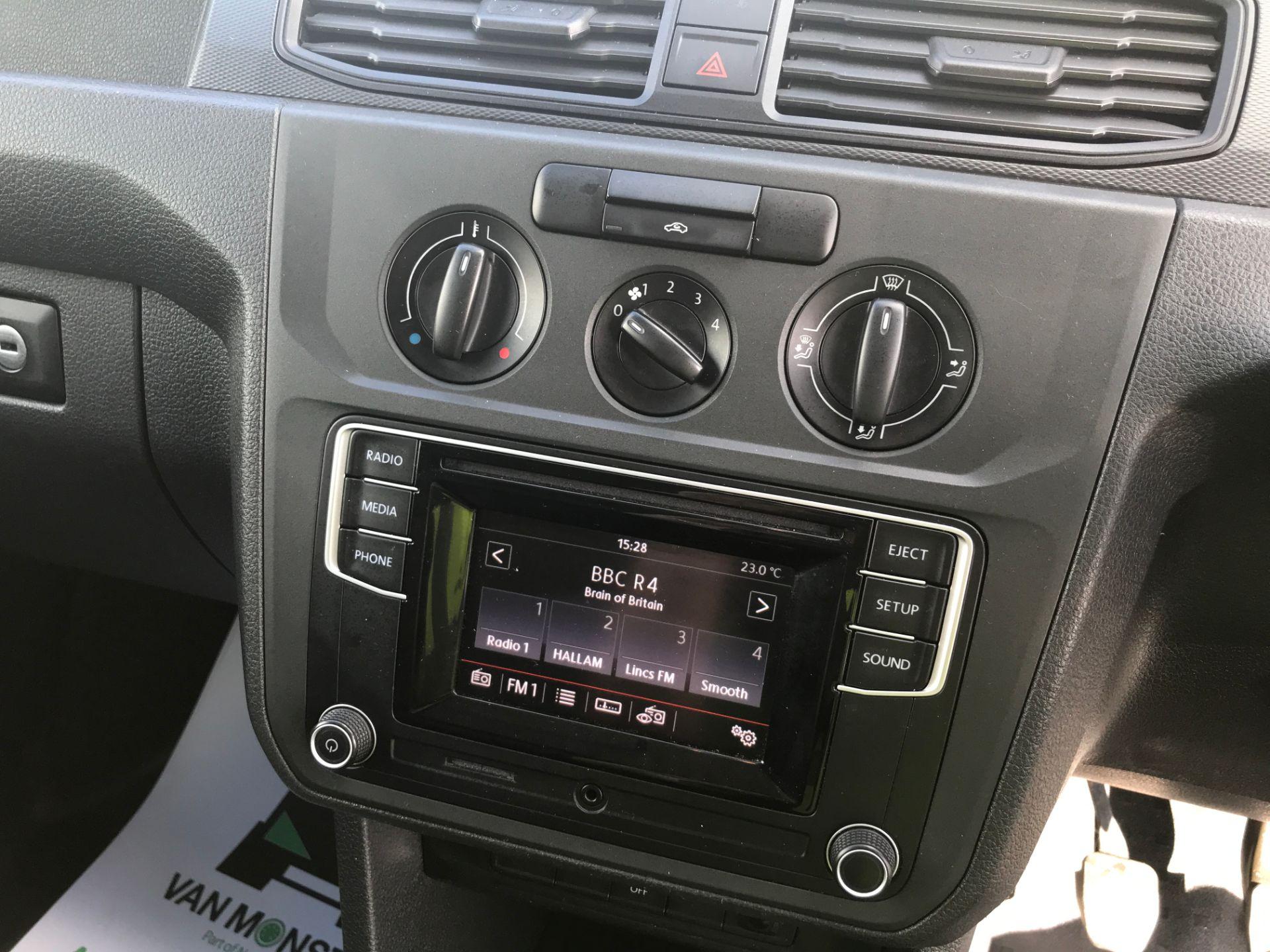 2017 Volkswagen Caddy Maxi 2.0TDI BLUEMOTION TECH 102PS STARTLINE EURO 6 (GK17VCN) Image 3