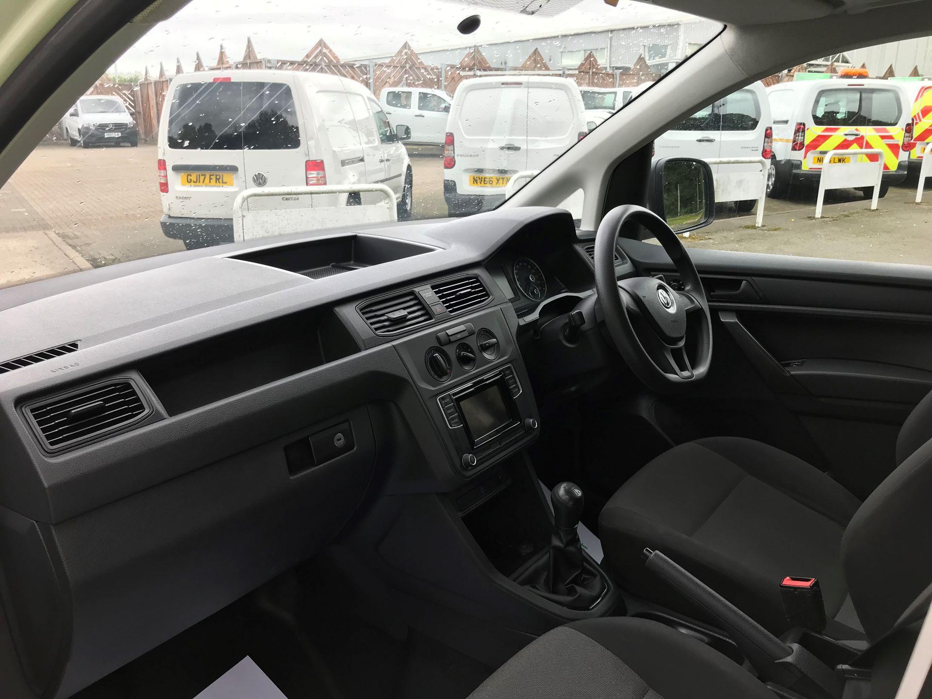 2017 Volkswagen Caddy Maxi 2.0 TDI BMT TECH 102PS STARTLINE VAN 102PS (GK17VCP) Image 16