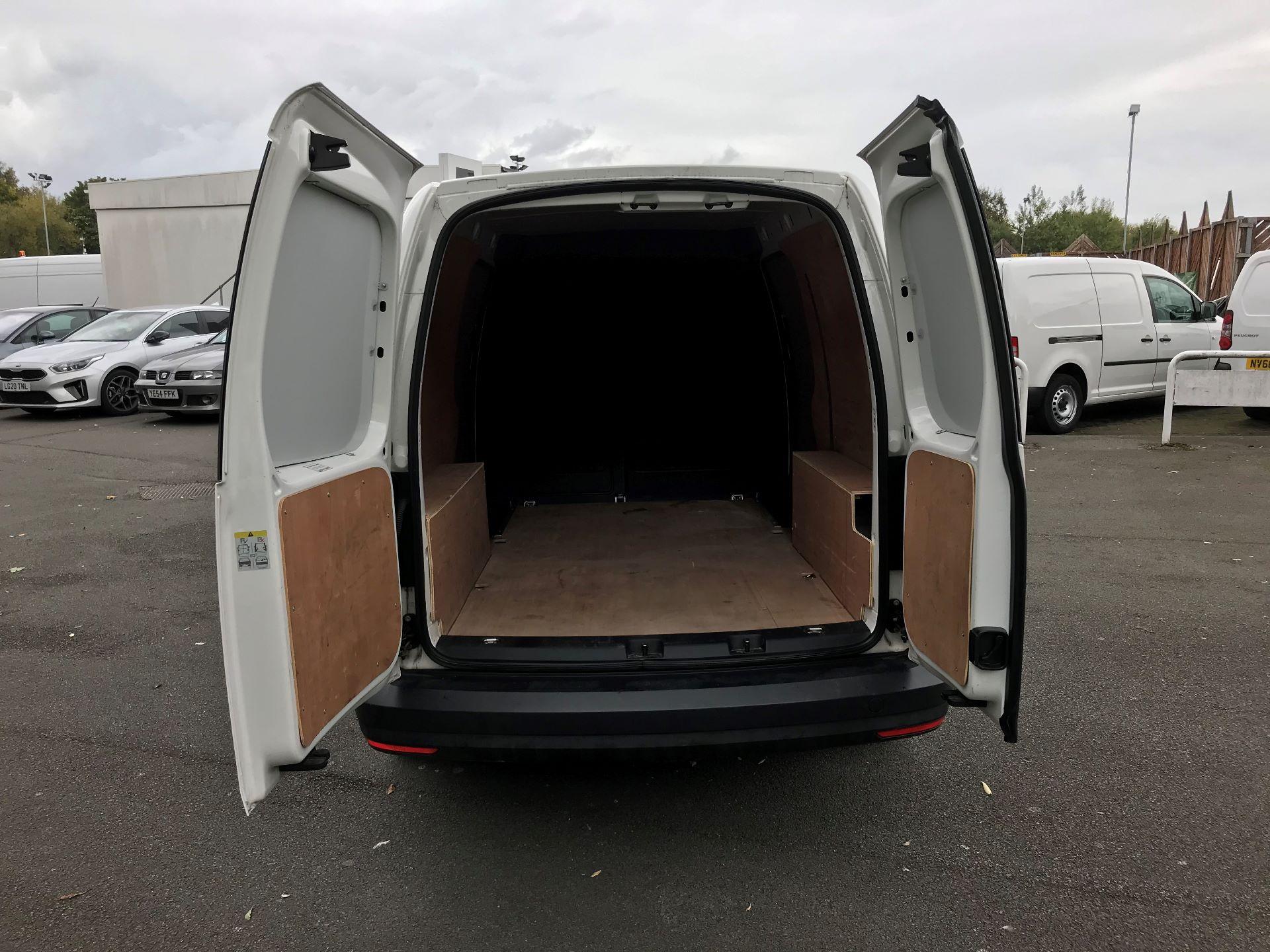 2017 Volkswagen Caddy Maxi 2.0 TDI BMT TECH 102PS STARTLINE VAN 102PS (GK17VCP) Image 8