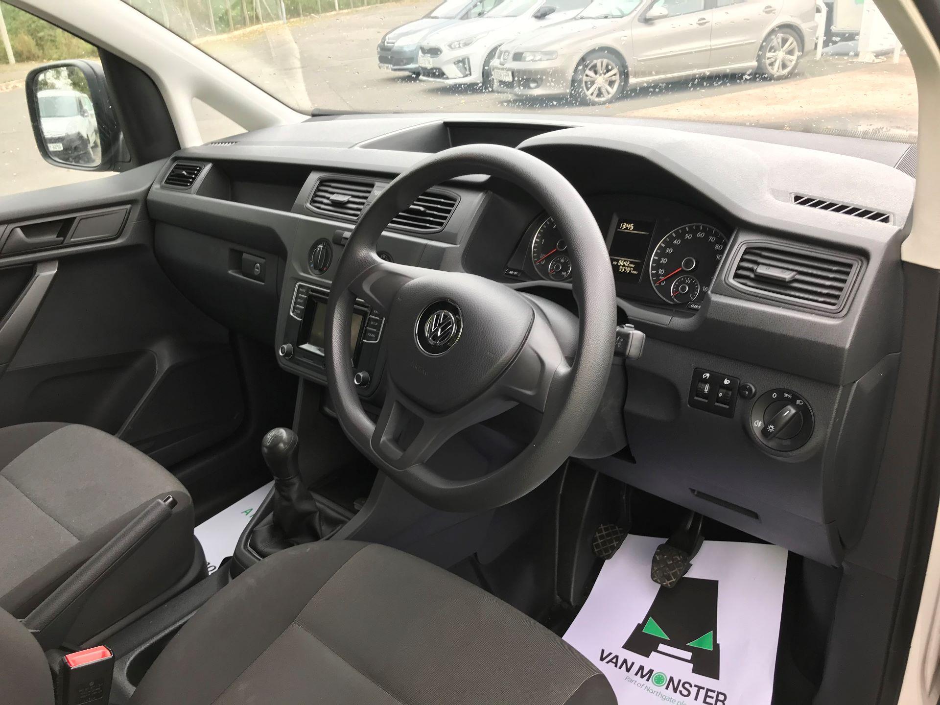 2017 Volkswagen Caddy Maxi 2.0 TDI BMT TECH 102PS STARTLINE VAN 102PS (GK17VCP) Image 17