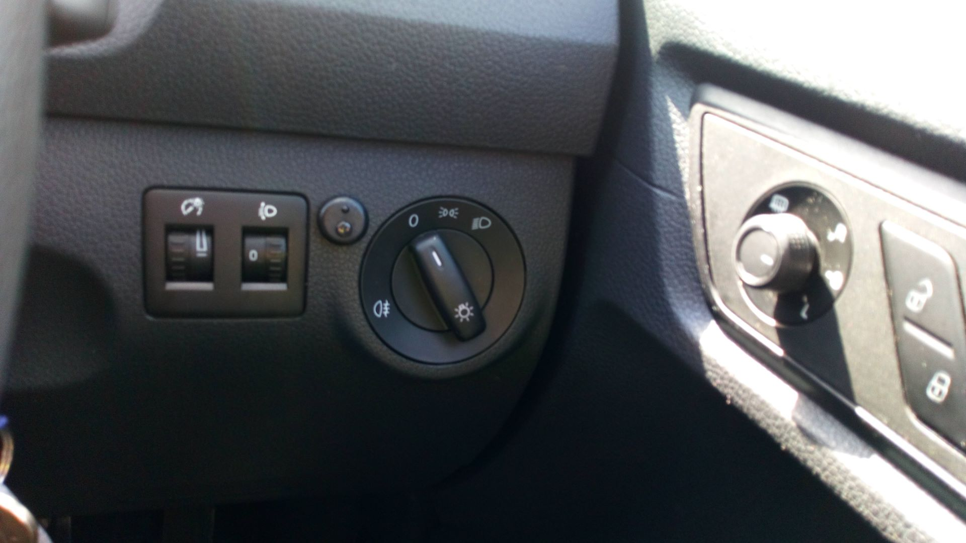2017 Volkswagen Caddy Maxi 2.0 Tdi Bluemotion Tech 102Ps Startline Van  (GK17VCT) Image 17
