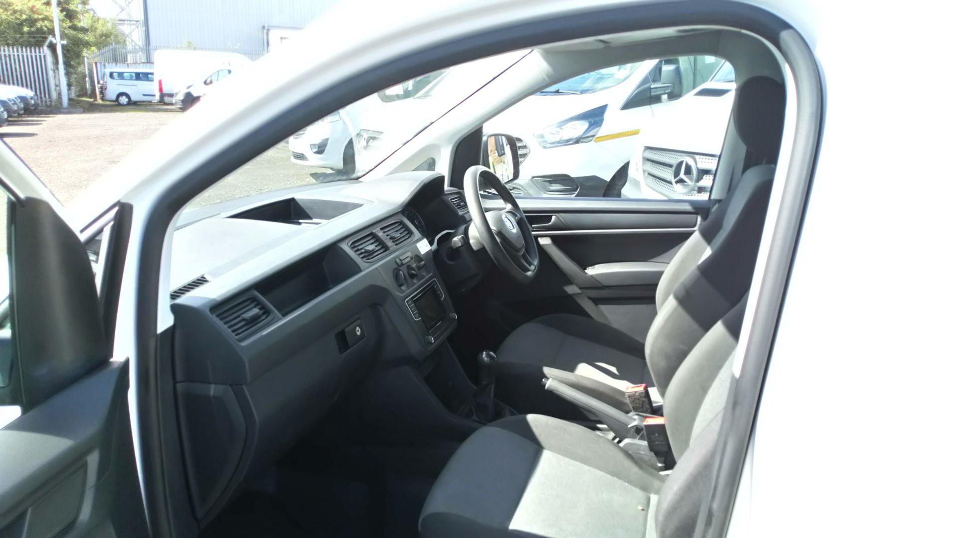2017 Volkswagen Caddy Maxi 2.0 Tdi Bluemotion Tech 102Ps Startline Van  (GK17VCT) Image 12