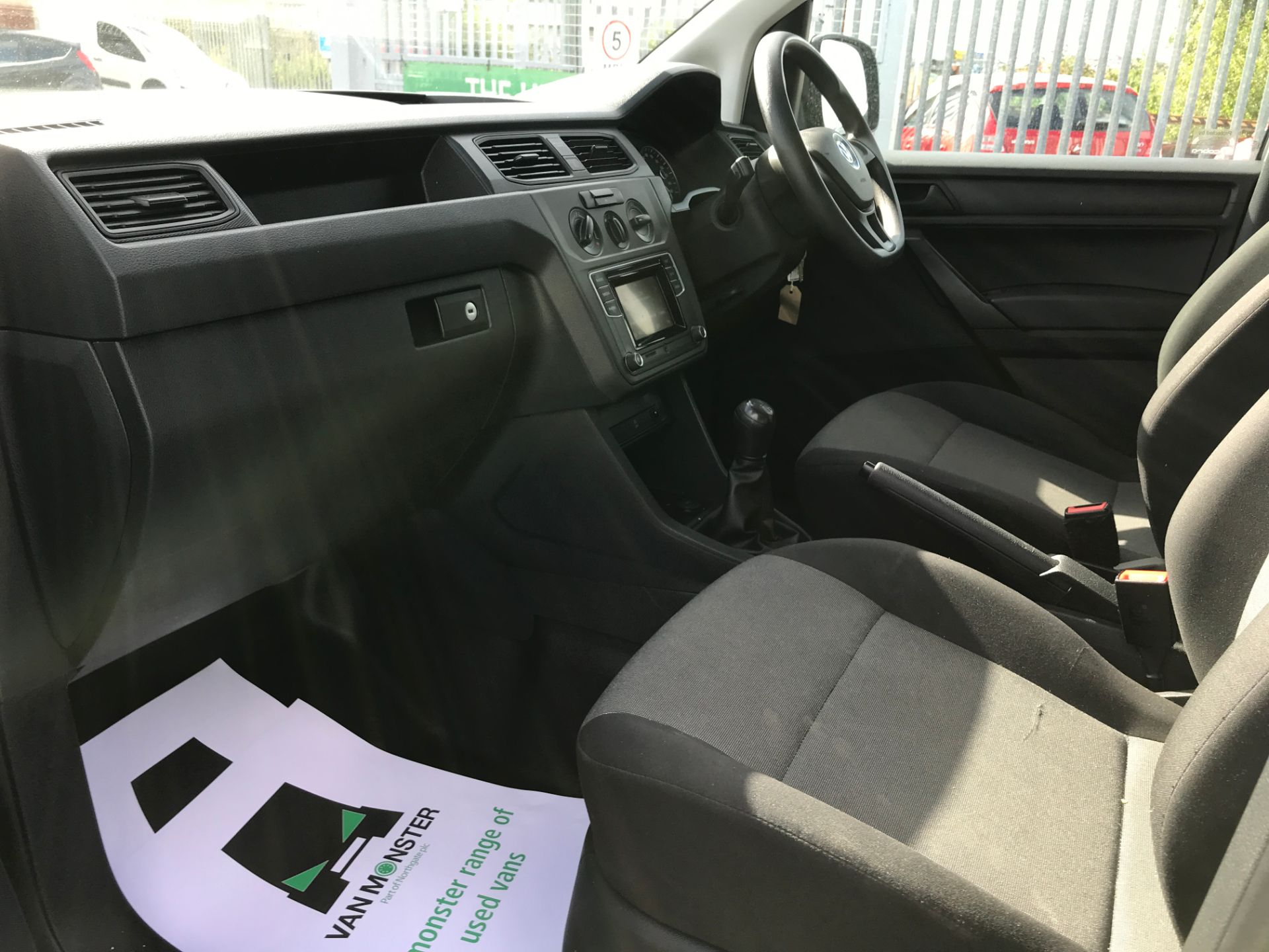 2017 Volkswagen Caddy Maxi 2.0TDI BLUEMOTION TECH 102PS STARTLINE EURO 6 (GK17VFP) Image 12