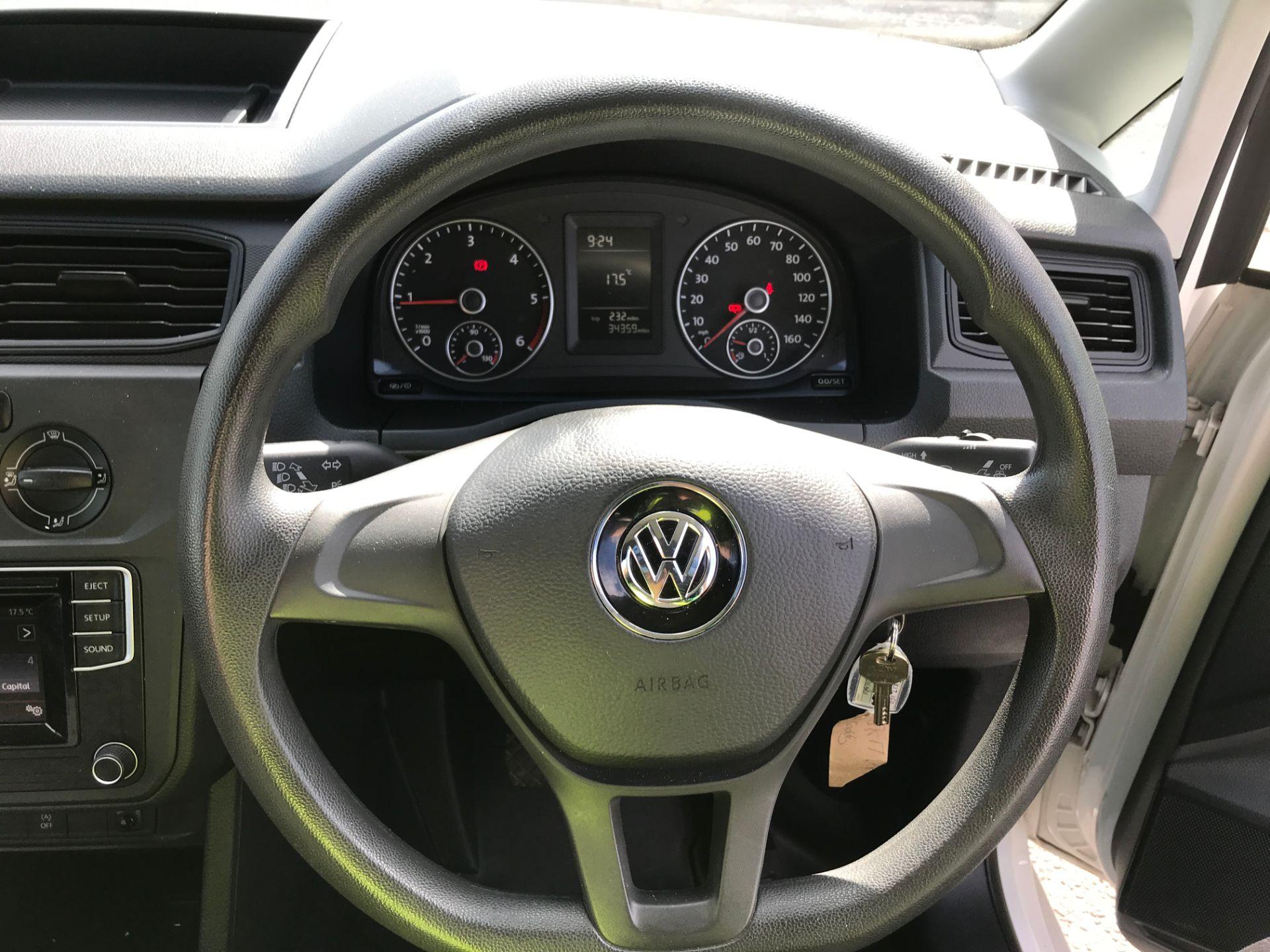 2017 Volkswagen Caddy Maxi 2.0TDI BLUEMOTION TECH 102PS STARTLINE EURO 6 (GK17VFP) Image 5