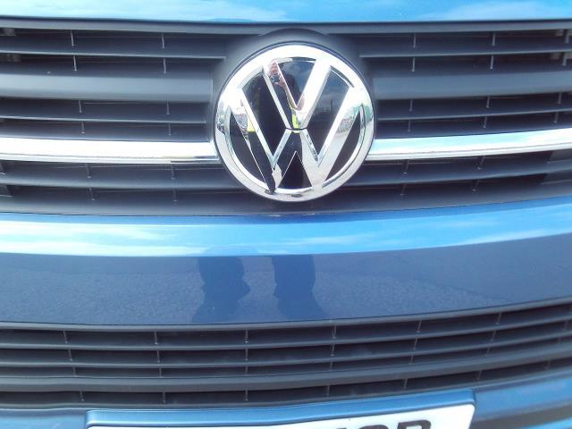 2017 Volkswagen Transporter T28 T6 2.0tdi swb 102ps Trendline Air Con (GK17XOP) Image 26