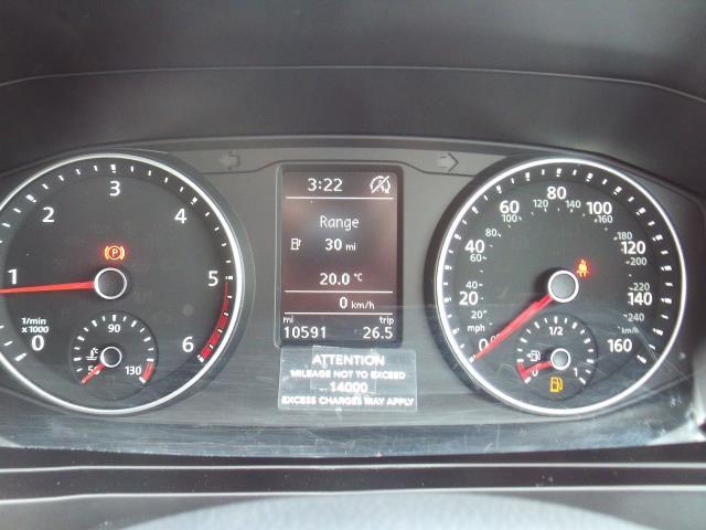 2017 Volkswagen Transporter T28 T6 2.0tdi swb 102ps Trendline Air Con (GK17XOP) Image 11