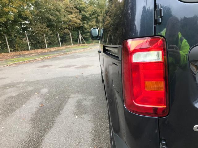 2017 Volkswagen Caddy  2.0 102PS BLUEMOTION TECH 102 STARTLINE EURO 6 (GK17XPD) Image 15