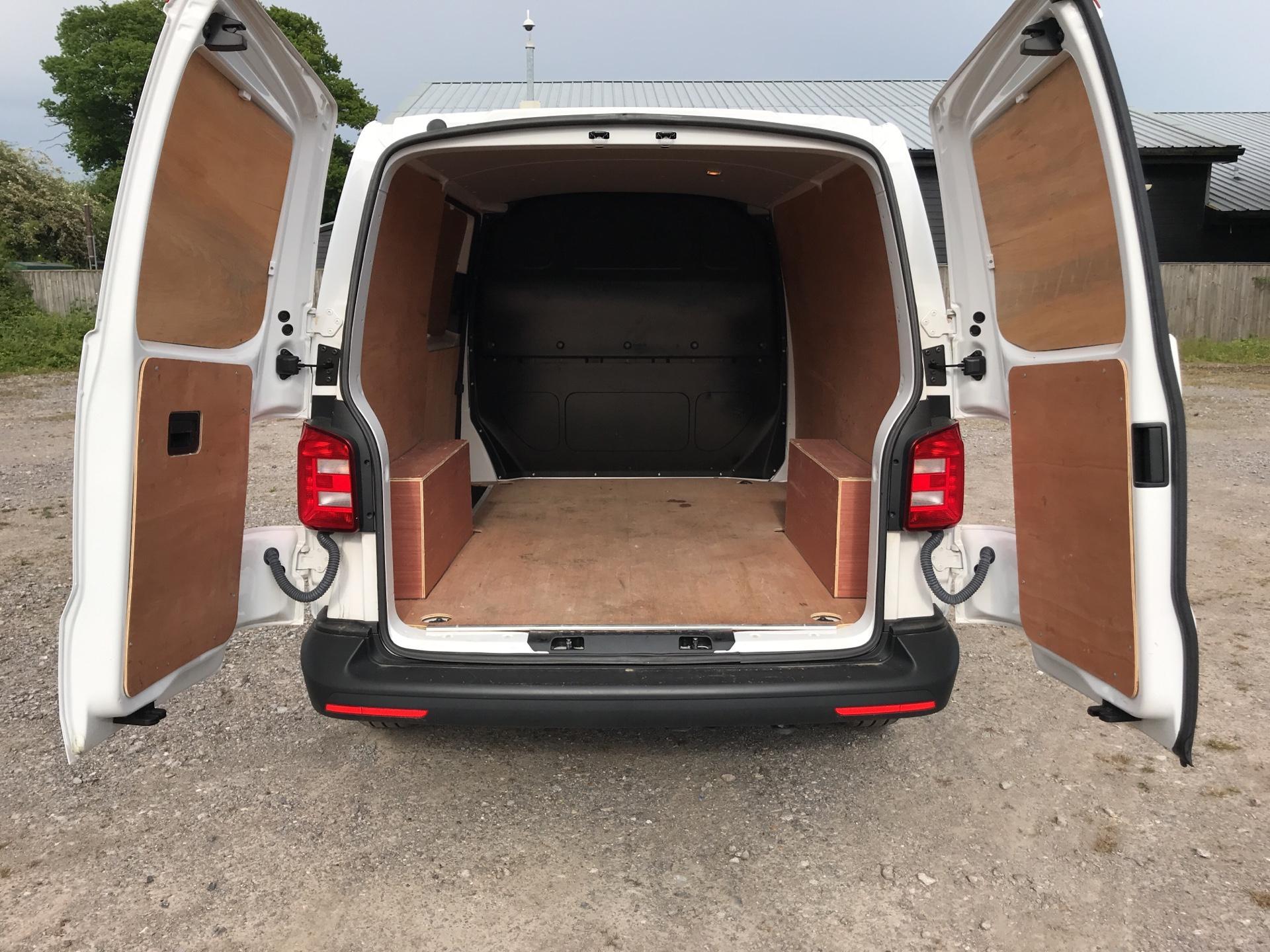2017 Volkswagen Transporter 2.0 Tdi Bmt 102 Startline Van Euro 6 SWB (GK17XPU) Image 15