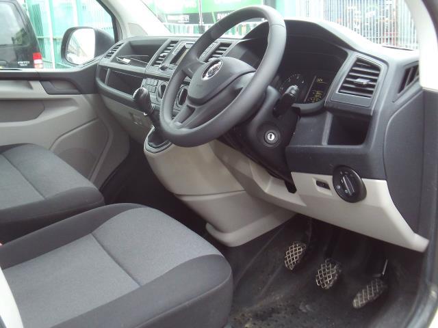 2017 Volkswagen Transporter T28 T6 2.0tdi swb 102ps Startline (GK17XRL) Image 10