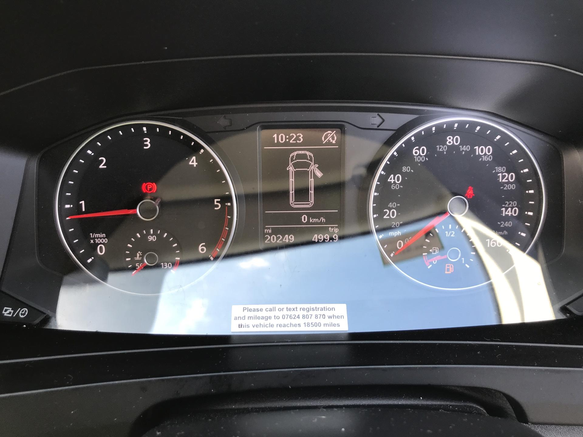 2018 Volkswagen Transporter  T28 SWB DIESEL 2.0 TDI BMT 102 HIGHLINE VAN EURO 6  (GK18KNW) Image 13