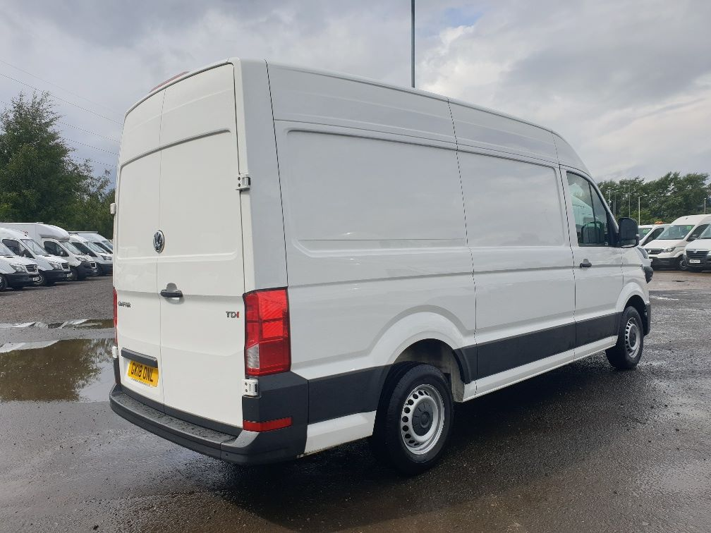 2018 Volkswagen Crafter CR35 2.0 TDI MWB HIGH ROOF 140PS STARTLINE EURO 6 (GK18ONL) Thumbnail 12