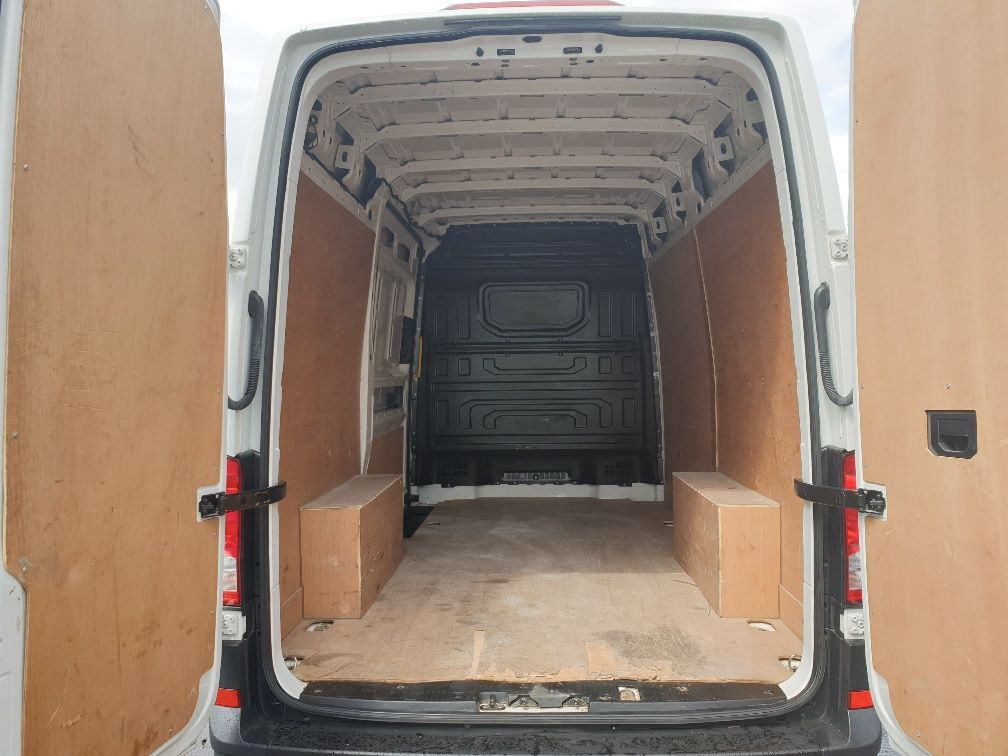 2018 Volkswagen Crafter CR35 2.0 TDI MWB HIGH ROOF 140PS STARTLINE EURO 6 (GK18ONL) Thumbnail 10