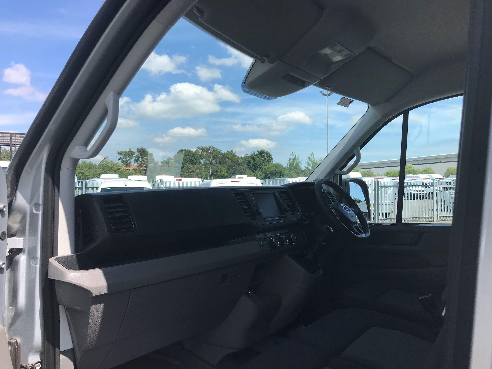 2018 Volkswagen Crafter 2.0 Tdi 140Ps Startline High Roof Van MWB EURO 6 (GK18WMZ) Image 17