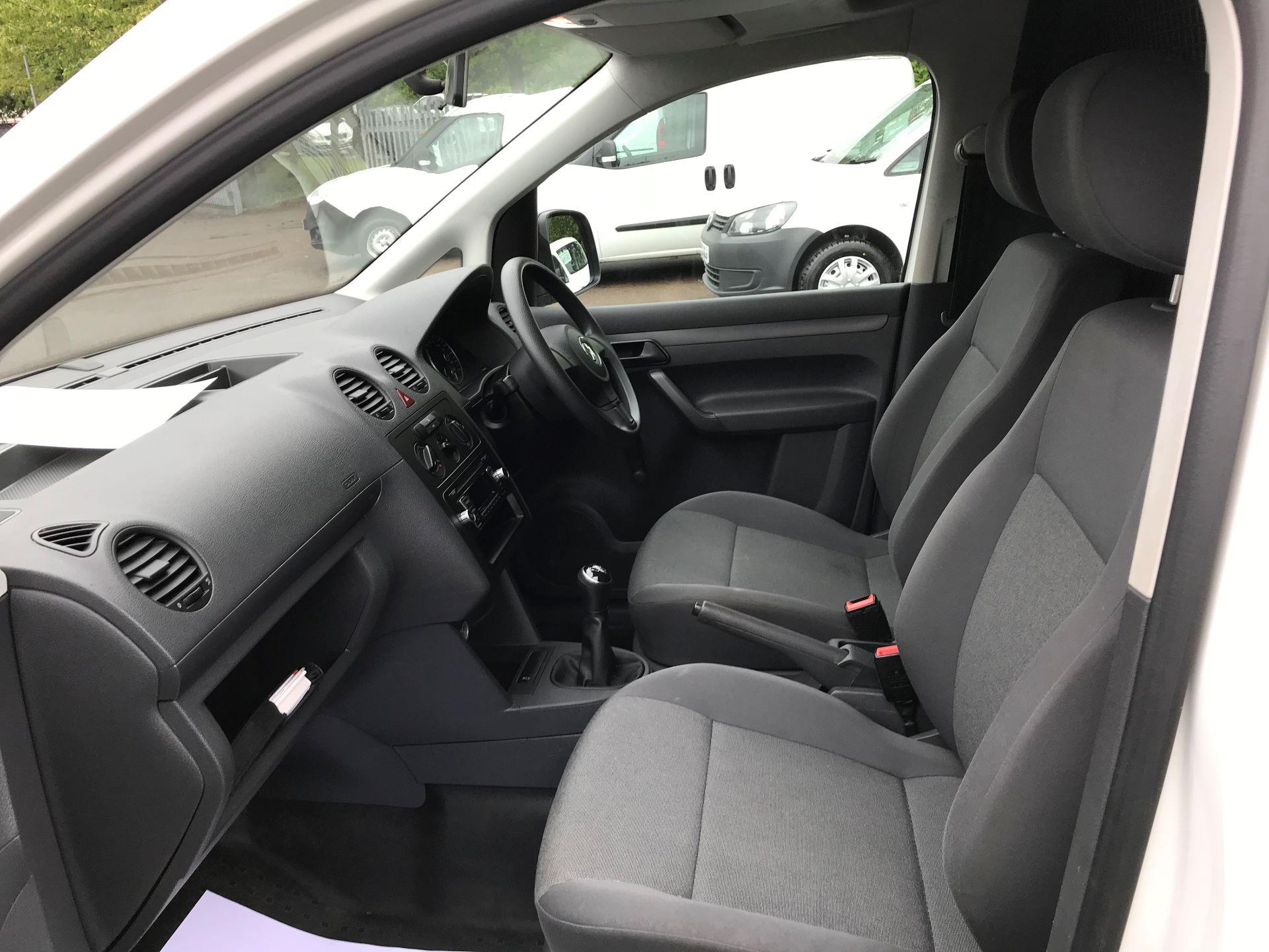 2015 Volkswagen Caddy  1.6 102PS STARTLINE EURO 5 (GK65LBO) Image 16
