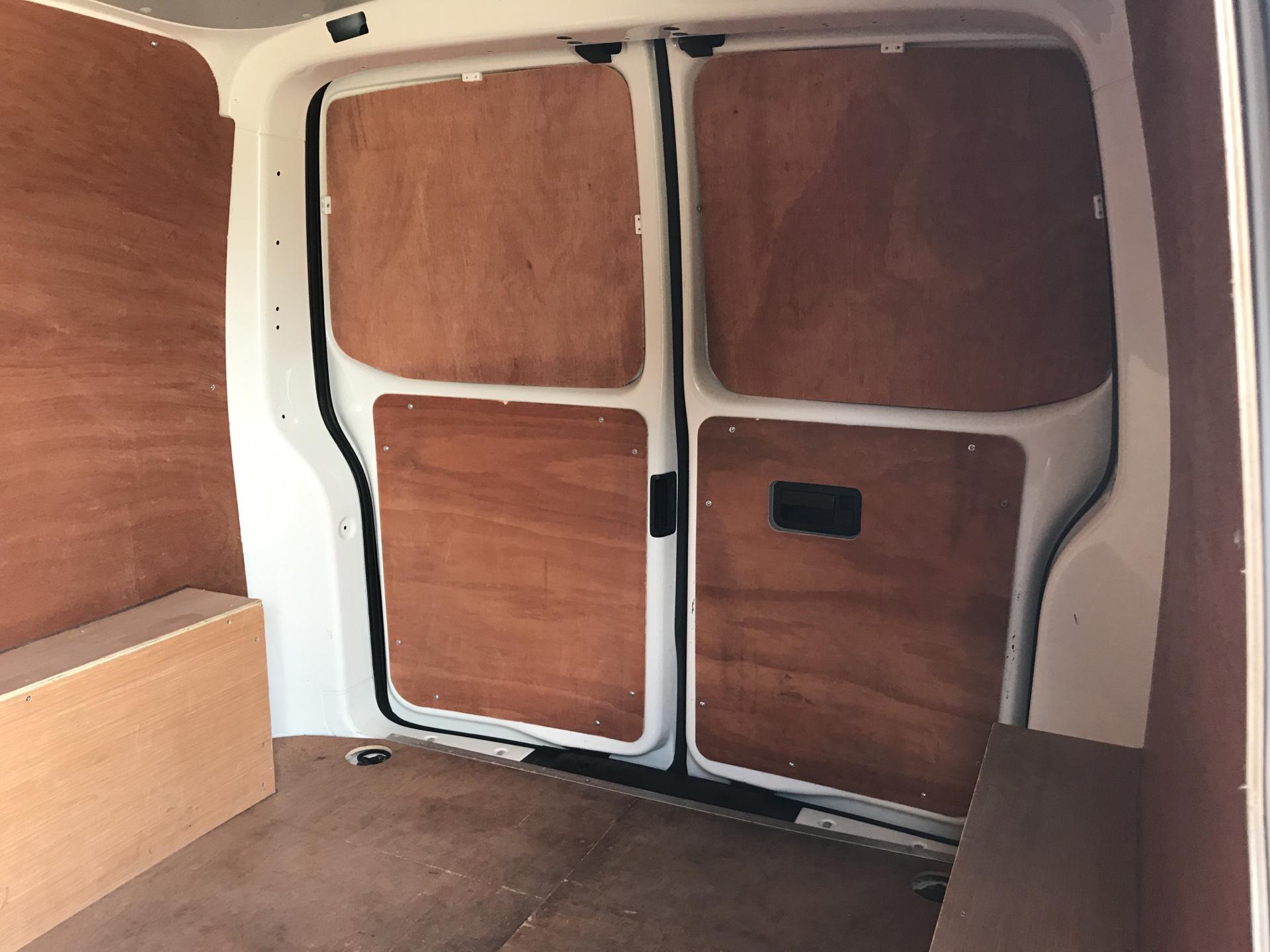 2015 Volkswagen Transporter T28 Startline Van SWB (GK65VZB) Image 15