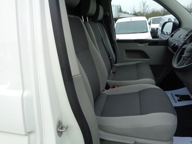 2015 Volkswagen Transporter 2.0 Tdi 102Ps Startline Van SWB (GK65VZX) Image 17