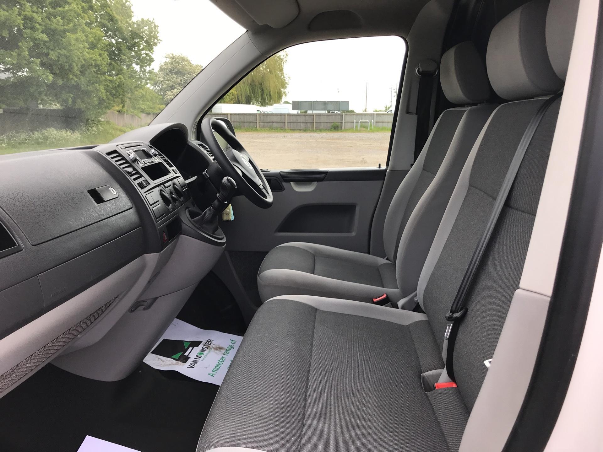 2015 Volkswagen Transporter 2.0 Tdi 102Ps Startline Van SWB (GK65WBJ) Image 14