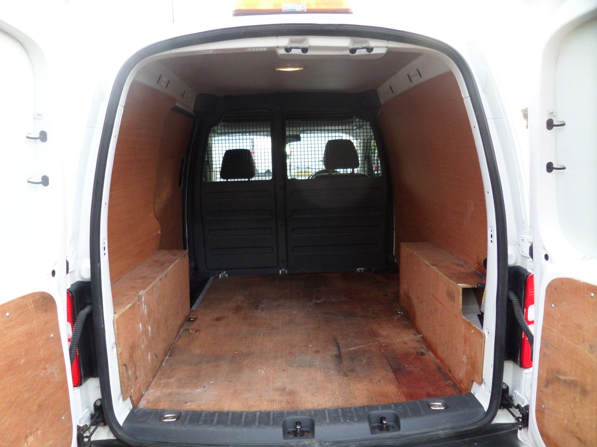 2015 Volkswagen Caddy 1.6 Tdi 75Ps Startline Van (GK65WBO) Image 5