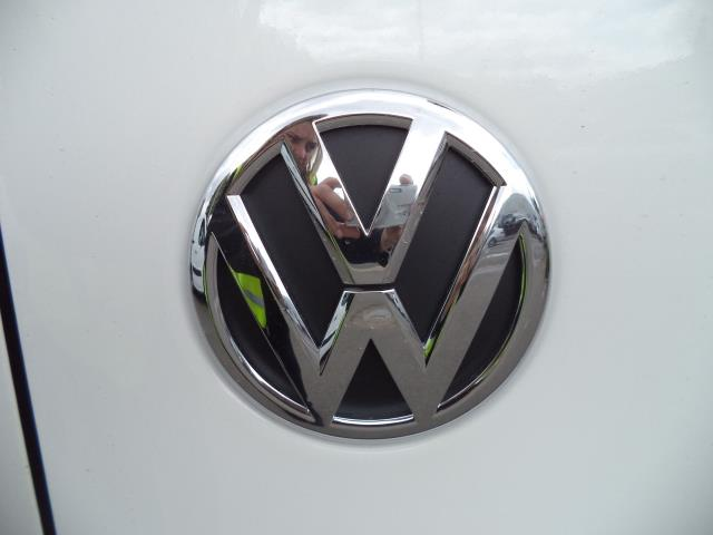 2015 Volkswagen Transporter  T28 SWB DIESEL 2.0 TDI 102PS STARTLINE EURO 5 (GK65WCA) Image 16