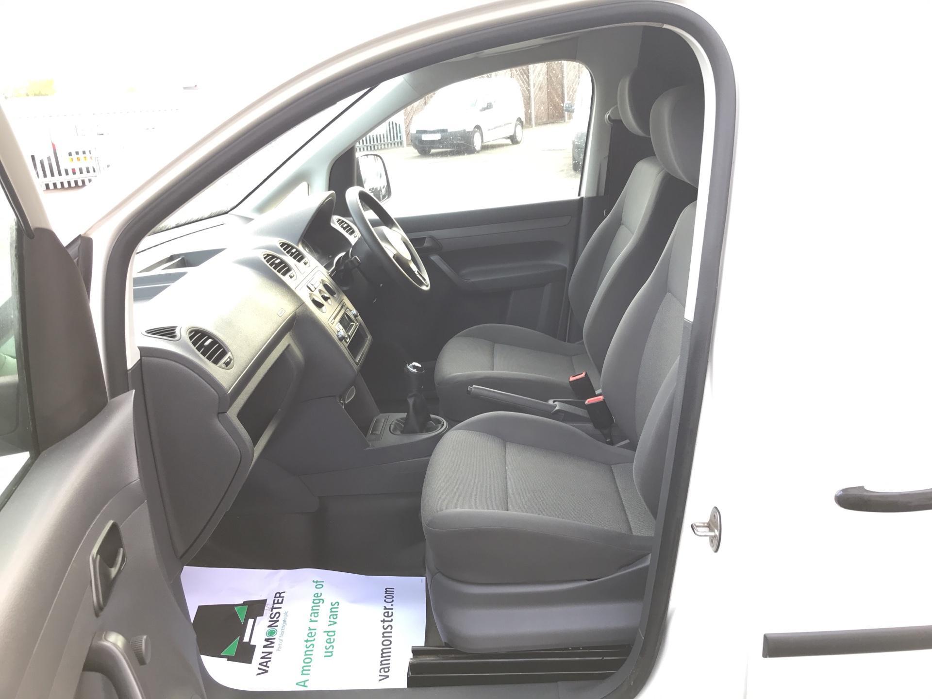 2015 Volkswagen Caddy  1.6 102PS STARTLINE EURO 5 (GK65WVO) Image 14